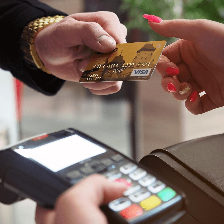 Man using a credit card.